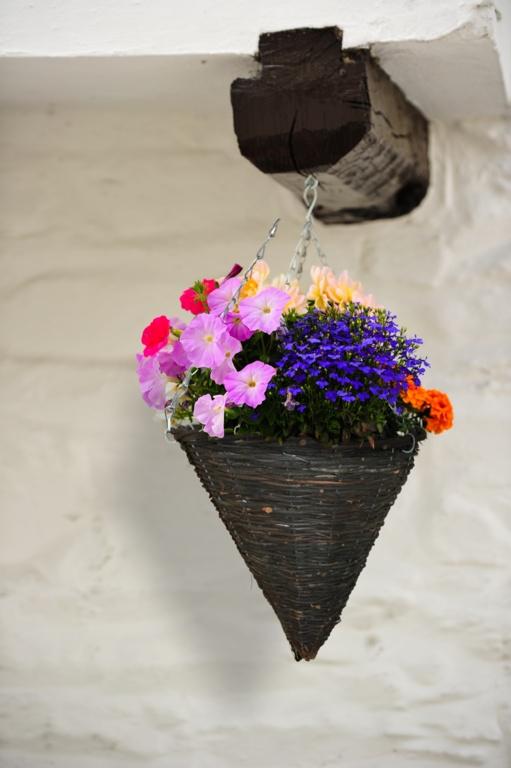 """Ambassador Willow Hanging Cone Basket - 14"""""""