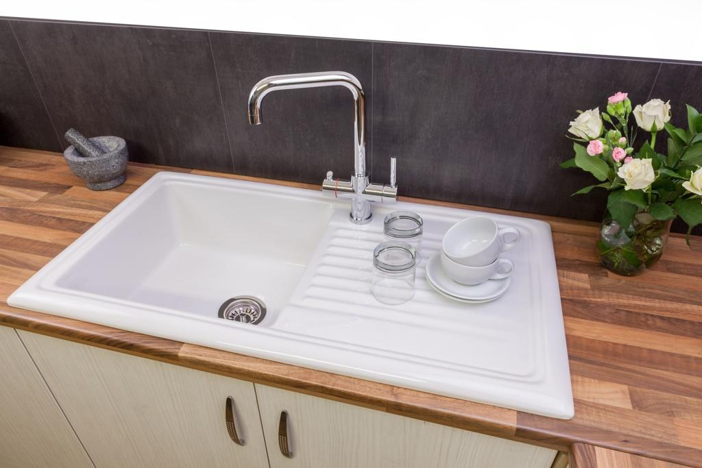 Reginox White Ceramic Reversible Sink - 1 Bowl