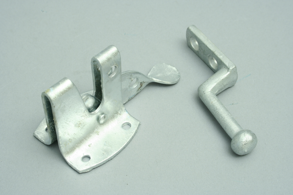 Perry Galvanised Auto Gate Latch NB