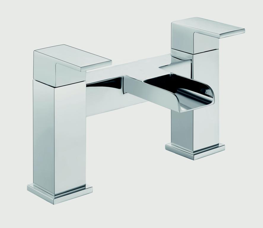 SP Cascade Bath Filler Tap - H: 146mm D: 180mm
