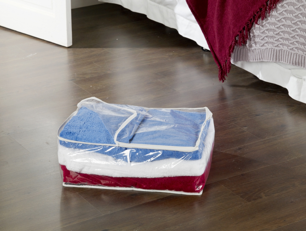 H & L Russel Blanket Storage Bag - Clear
