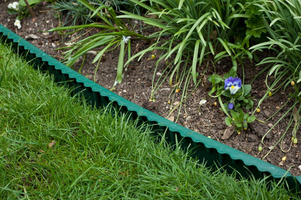 Ambassador Plastic Lawn Edge