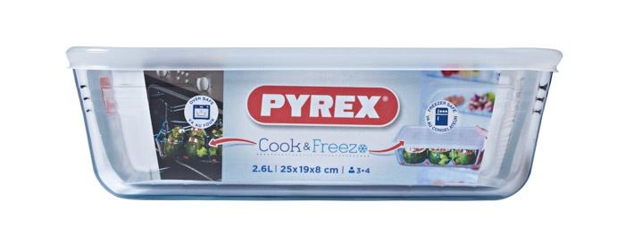 Pyrex Rectangular Dish With Lid - 2.6L