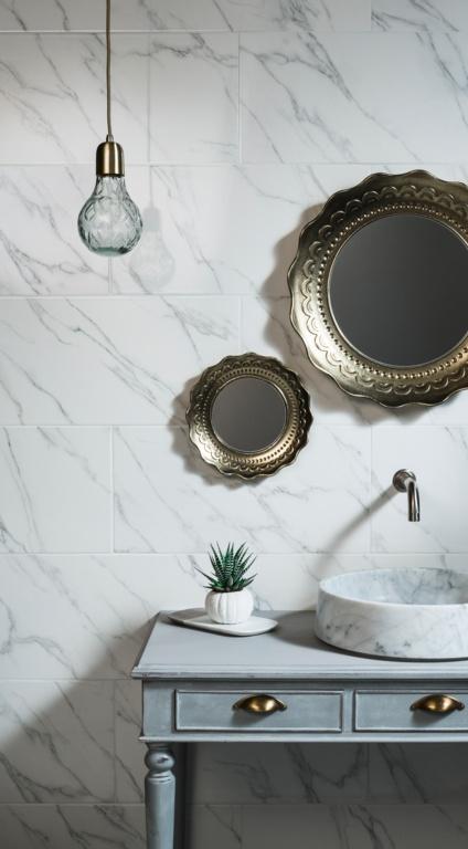 Johnson Carrara White Marble Wall Tile 600 x 300 x 10mm - 0.9m2