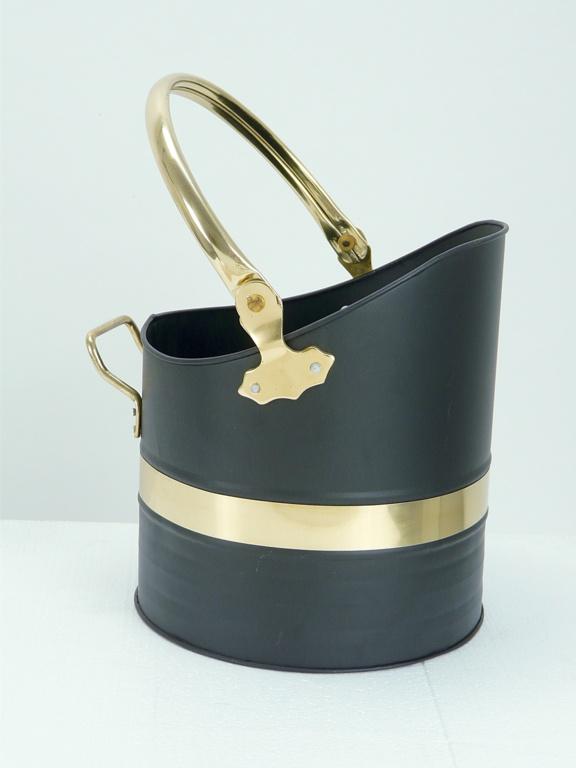 Manor Warwick Helmet - Black/Brass