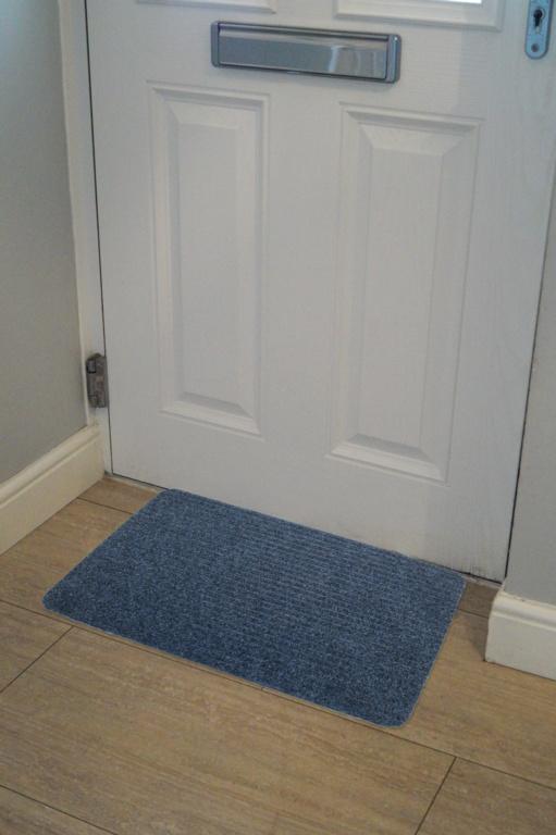 Groundsman Basic Ribbed Indoor Mat 40 x 60cm - Blue