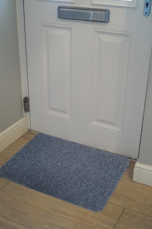 Groundsman Basic Ribbed Indoor Mat 50 x 80cm - Blue