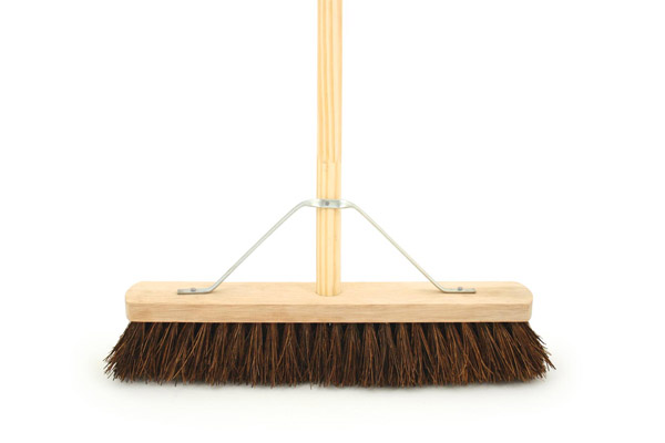 Bentley Stiff Bassine Platform Brush with Handle - 18""