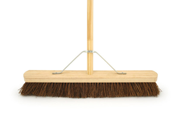 Bentley Stiff Bassine Platform Brush With Handle - 24""