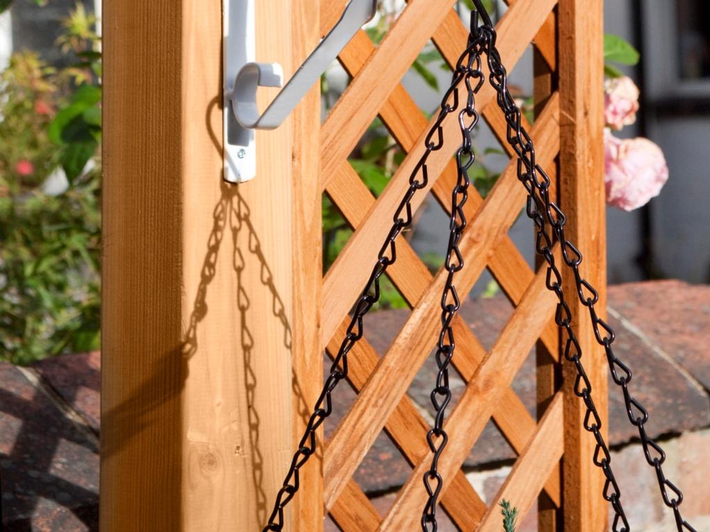"""Ambassador Hanging Basket Chain - 21"""" Black"""